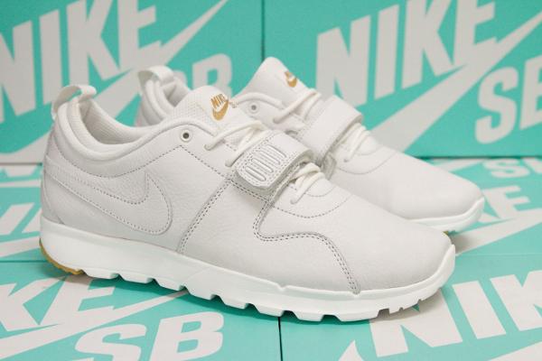 Nike SB Trainerendor PRM Summit White Gum (1)