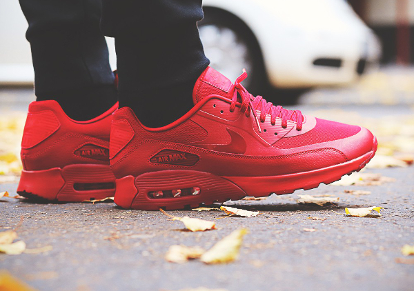 Nike Wmns Air Max 90 Ultra Essentials rouge (femme) (3)