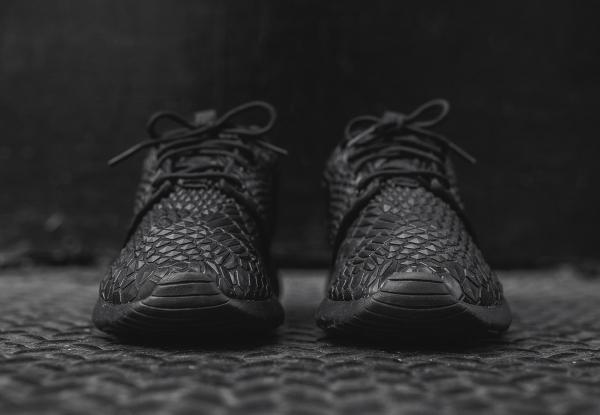 Nike Wmns Roshe One Diamondback noire (4)