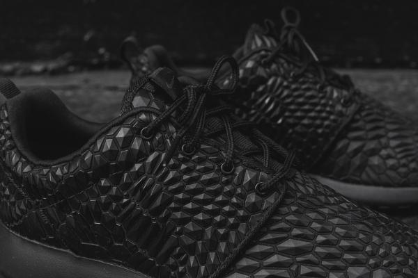 Nike Wmns Roshe One Diamondback noire (8)
