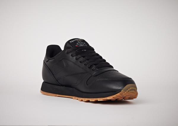 Reebok Classic Leather en cuir noir homme avec semelle gomme (11)