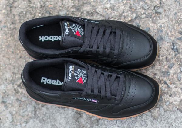 Reebok Classic Leather en cuir noir homme avec semelle gomme (5)