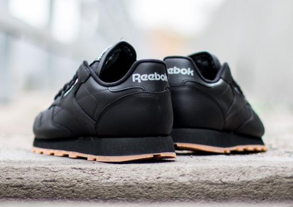 Reebok Classic Leather en cuir noir homme avec semelle gomme (6)