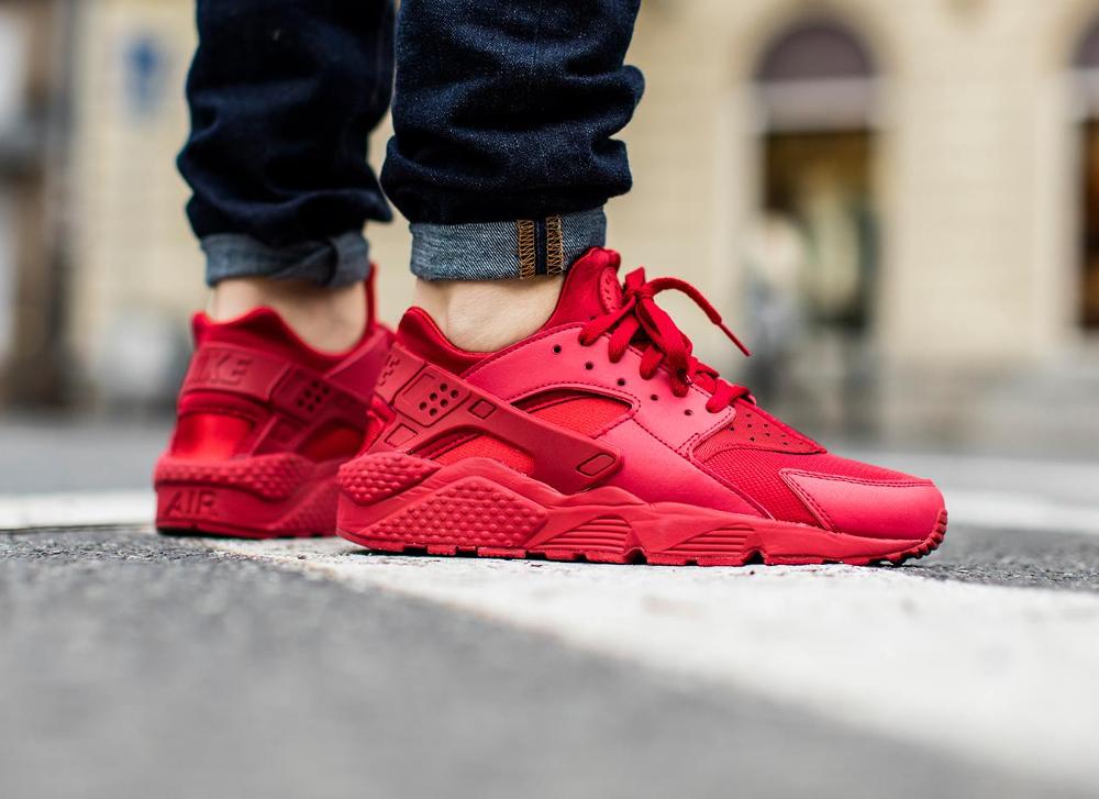 acheter chaussure Nike Air Huarache Triple Red Ruby (rouge) (1)
