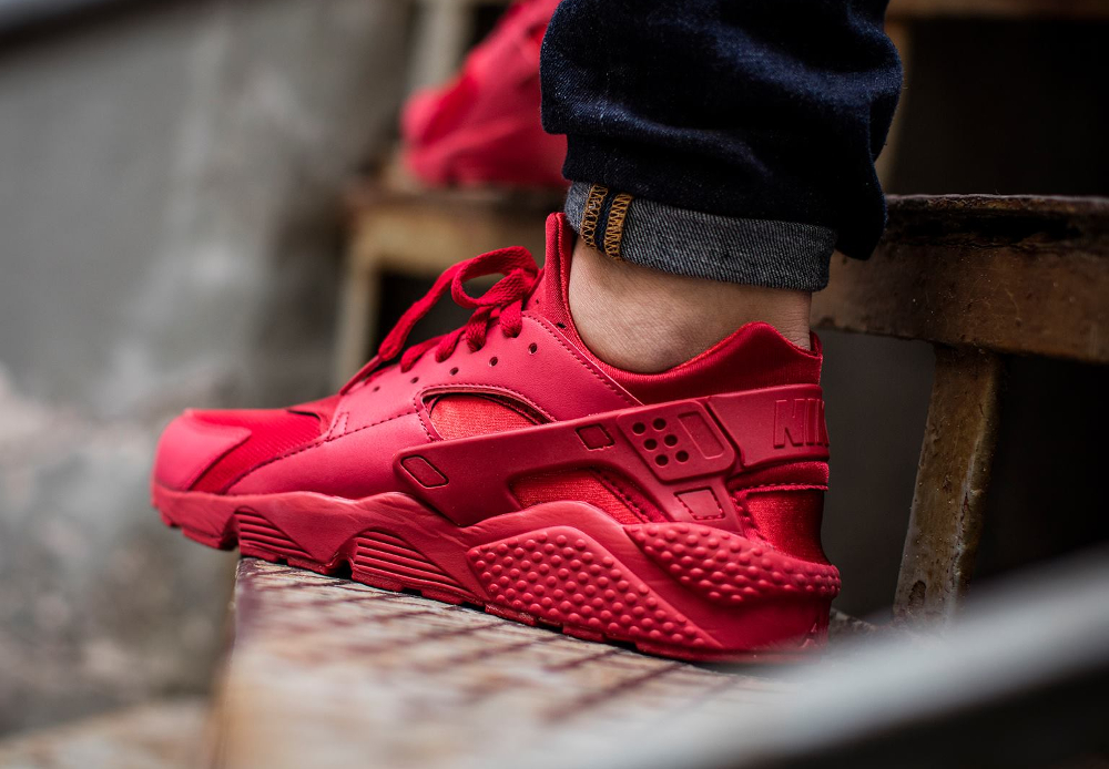official photos 251af 1f9fb acheter chaussure Nike Air Huarache Triple Red Ruby (rouge) (3)