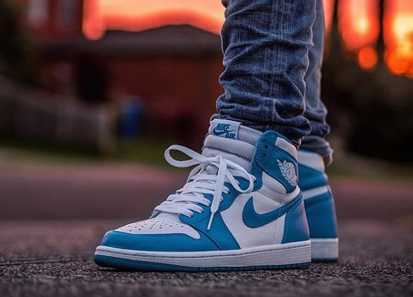 Air Jordan 1 High Retro UNC 2015 (@malishoez1)