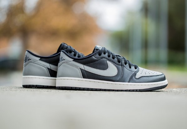 Air Jordan 1 Retro Low OG Medium Grey (4)