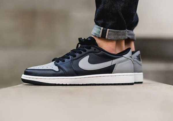 Air Jordan 1 Retro Low OG Shadow (1)