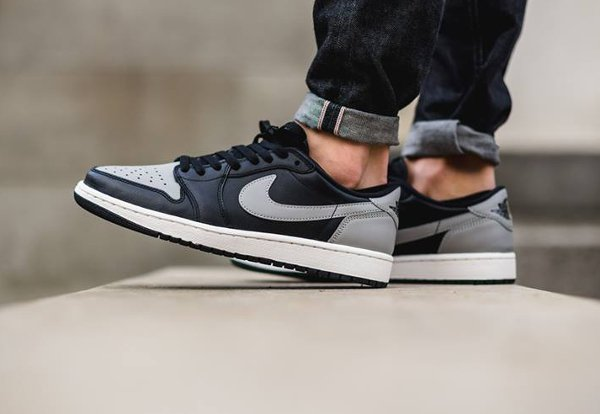Air Jordan 1 Retro Low OG Shadow (3)
