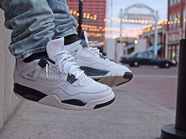 Air Jordan 4 Columbia - @dustinkn0ws