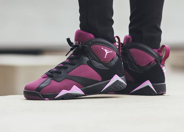 Air Jordan 7 Retro GG Mulberry pas cher (1)