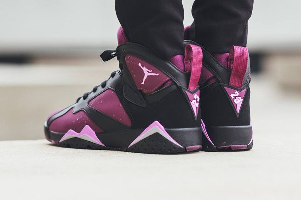 Air Jordan 7 Retro GG Mulberry pas cher (3)