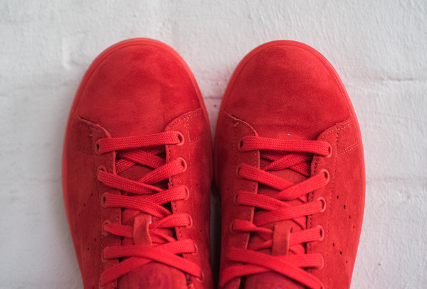 ... Basket Adidas Stan Smith en daim rouge homme femme