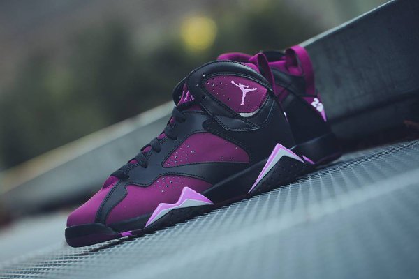 Basket Nike Air Jordan 7 Black Fuchsia Glow Mulberry Wolf Grey (femme) (1-1)