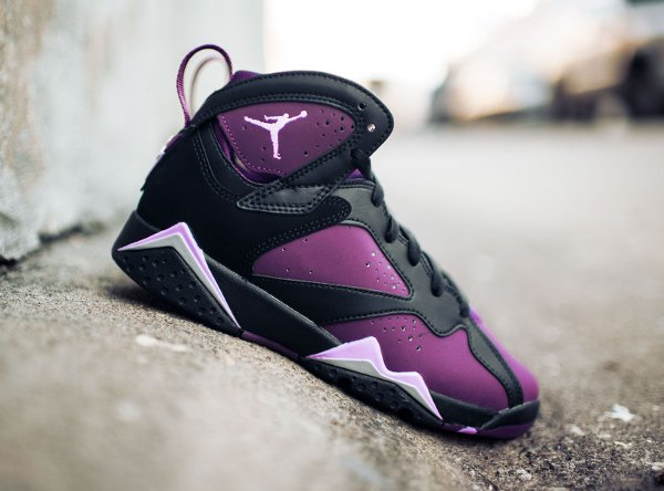 Basket Nike Air Jordan 7 Black Fuchsia Glow Mulberry Wolf Grey (femme) (1)