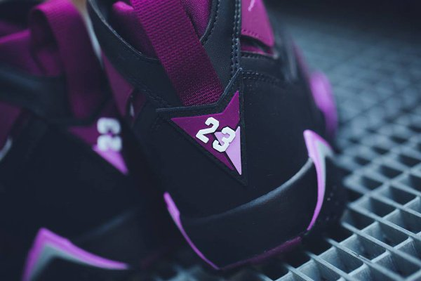 Basket Nike Air Jordan 7 Black Fuchsia Glow Mulberry Wolf Grey (femme) (4-1)