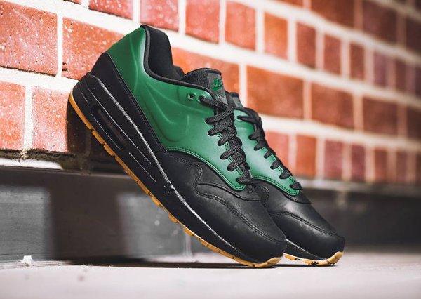 Basket Nike Air Max 1 verte et noire avec semelle gomme (1)