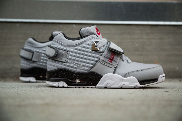 Basket Nike Air Trainer Victor Cruz gris métallique (1)