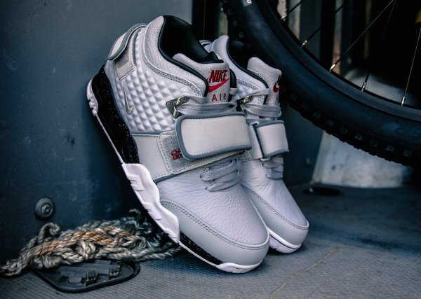 Basket Nike Air Trainer Victor Cruz gris métallique (15)