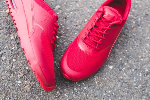 Basket Nike Wmns Air Max Thea rouge pour femme (2)