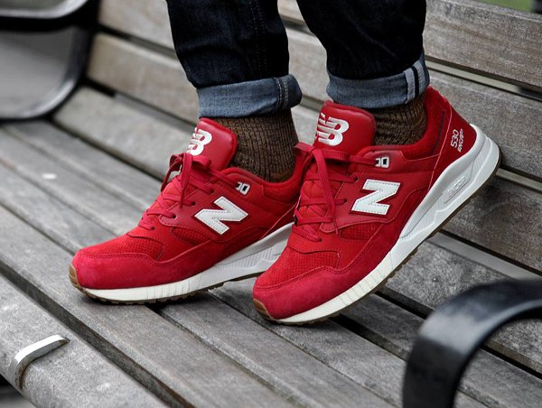 New Balance M530 AAF Solid Red Gum pas cher (1)