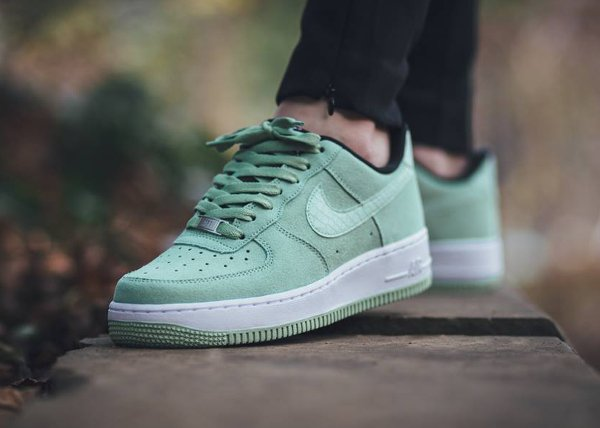 nike air force 1 high suede pas cher