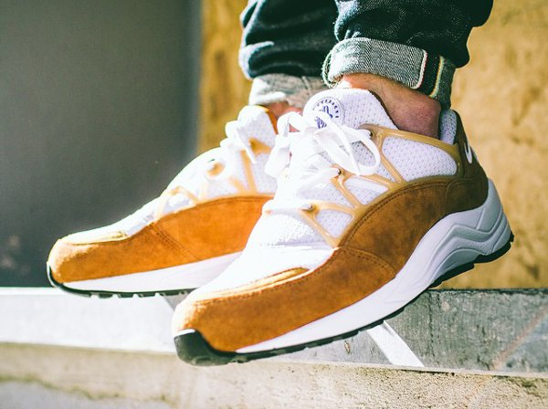 nike air huarache light marron