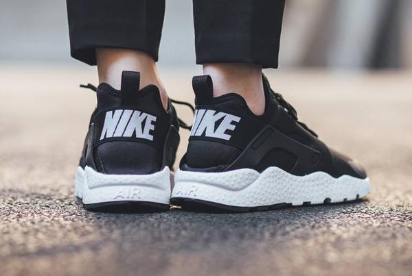 pretty nice abd88 d0041 La Utility et la NM pour les hommes, la Ultra Run pour les femmes, cest  presque la parité. En vente (130 euros) au Nike Store.fr  voir les paires.