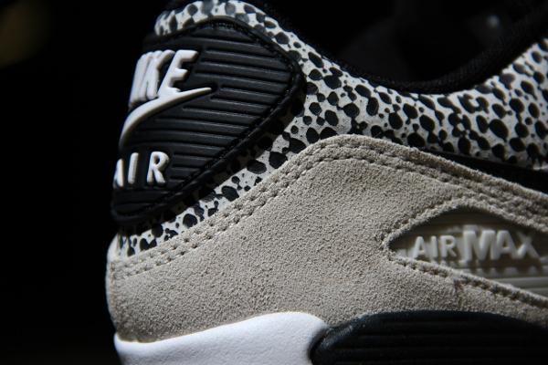 new arrivals 56541 5993a Où acheter les Nike Wmns PRM Safari  White Black
