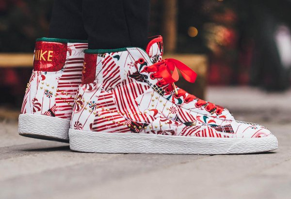 Nike Blazer Mid Christmas Gift Wrapped QS pas cher (1)