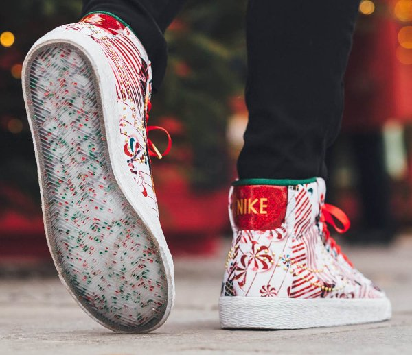 Nike Blazer Mid Christmas Gift Wrapped QS pas cher (2)