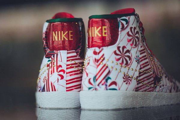 Nike Blazer Mid Christmas Gift Wrapped QS pas cher (5)