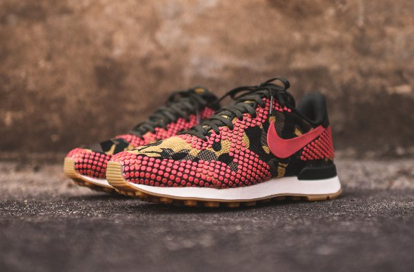 Nike Internationalist Jacquard Desert Camo Polka Dot (1)