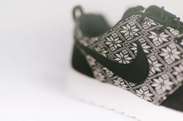 Nike Roshe One Winter Black Sail (2)