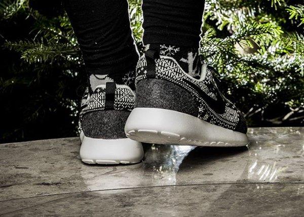 Nike Wmns Roshe One Winter Black Sail (4)