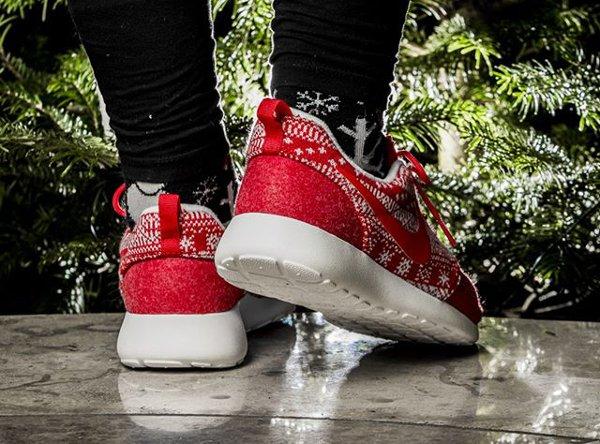 Nike Wmns Roshe One Winter University Red (5)