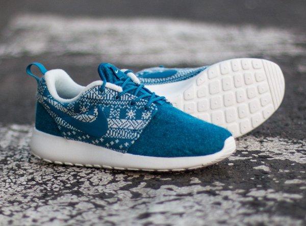Nike Wmns Roshe One Winter bleue (2)