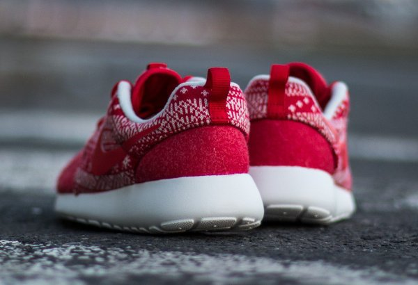 Nike Wmns Roshe One Winter rouge (2)