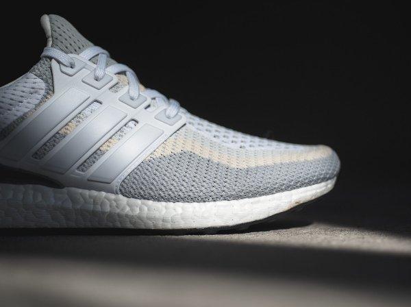 7c310a3458c basket Adidas Wmns Ultra Boost grise et blanche pour femme (11)
