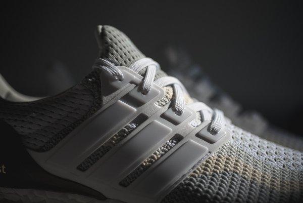 basket Adidas Wmns Ultra Boost grise et blanche pour femme (14)