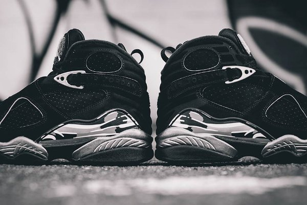 chaussure air jordan 8 retro black white light graphite (1)