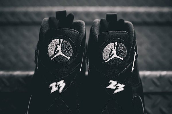 chaussure air jordan 8 retro black white light graphite (2)