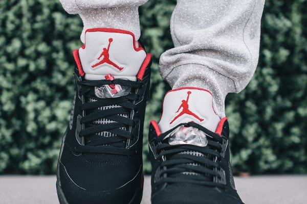 Où acheter la Air Jordan 5 Low Bred 'Alternate 90' ?