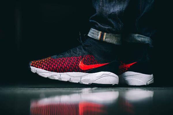 Nike Air Footscape Magista Flyknit Black Bright Crimson pas cher