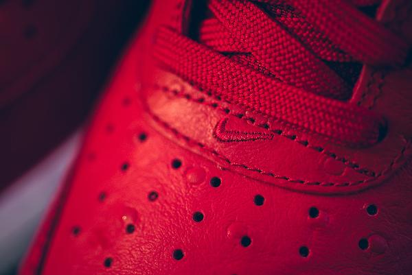 big sale 1a833 3de8e ... Red Ostrich pas cher (2) · Nike Air Force 1 Low '07 LV8 rouge (cuir  d'autruche) (