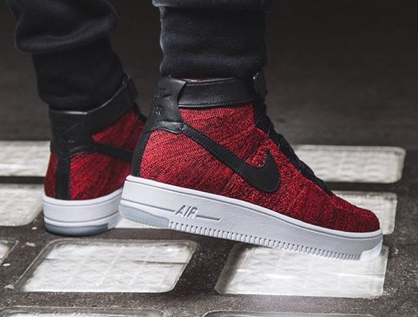 Nike Air Force 1 Ultra Flyknit Black University Red pas cher (2)