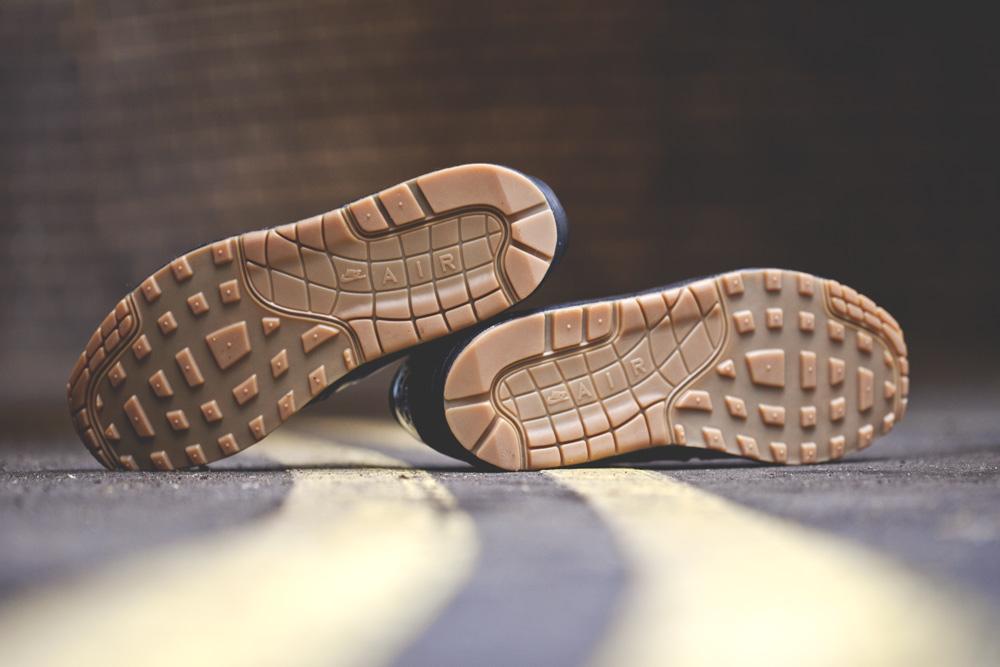 Nike Air Max 1 VT QS Deep Royal Blue Gum (2)