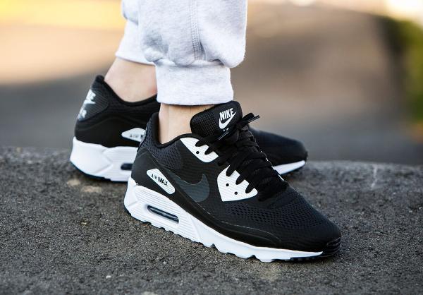 chaussures de séparation 88bc9 a9106 Où acheter la Nike Air Max 90 Ultra Essential Black White ?