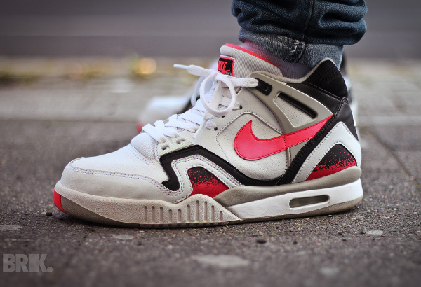 Nike Air Tech Challenge 2 Agassi Hot Lava 2016 pas cher (1)
