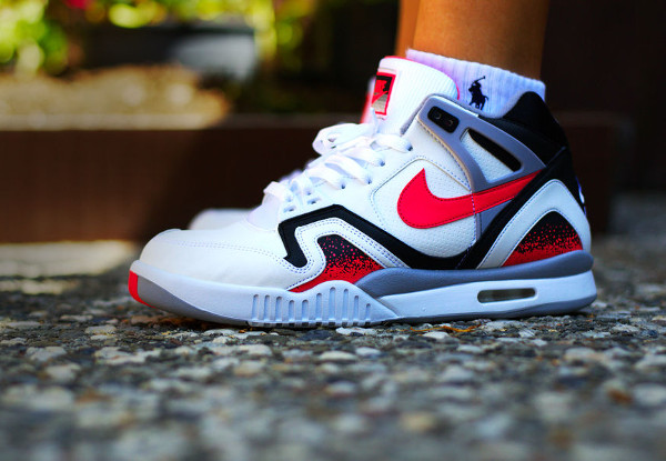 Nike Air Tech Challenge 2 Agassi Hot Lava 2016 pas cher